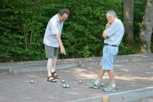 petanque discussion over balls